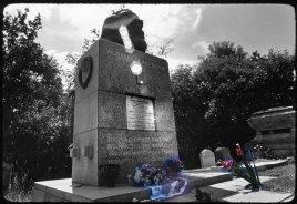 """_London:""""Highgate"""" 1976, Karl Marx auf Prominenten-Friedhof... Wir staunten über Blumen aus Westdeutschland..."""